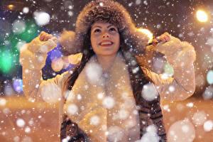 Фото Зимние Шапки Счастье Снежинки Девушки