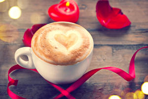 Фото Кофе Капучино День всех влюблённых Доски Чашка Лента Сердце Продукты питания