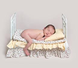 Картинки Цветной фон Младенцы Кровате Спящий Дети