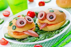 Картинка Оригинальные Быстрое питание Булочки Сосиска Овощи 2 Дизайн Пища
