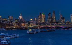 Обои Англия Дома Речка Мосты Речные суда Причалы Лондон Ночные Луна Города