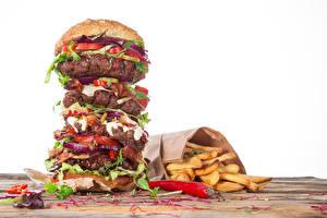 Обои Быстрое питание Гамбургер Картофель фри Мясные продукты Овощи Белый фон Еда