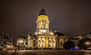 Фотографии Германия Берлин Храмы Церковь Городская площадь Ночные Уличные фонари German Church