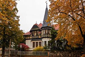 Картинки Германия Здания Осенние Особняк Дизайн Деревья Quedlinburg Города