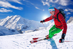 Обои Горы Зима Лыжный спорт Мужчины Снег Шапки Спорт