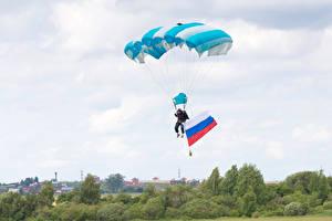 Фотография Парашютизм скайдайвинг Небо Флаг Российские Спорт