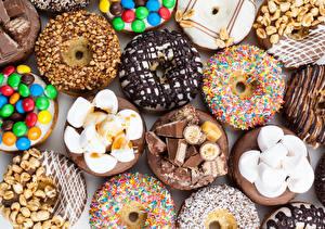 Фото Выпечка Пончики Сладости Орехи Шоколад Зефирки