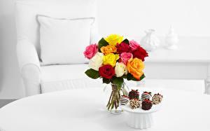 Фото Розы Букеты Стол Цветы