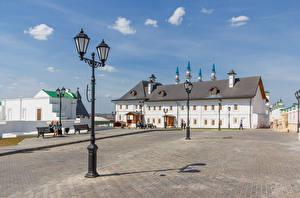 Обои Россия Храмы Монастырь Городская площадь Уличные фонари Kazan Transfiguration Monastery Города