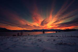 Обои Рассветы и закаты Зимние Небо Озеро Снег Природа