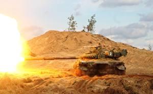 Фотография Танки Т-72 Выстрел Российские Армия