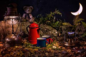 Обои Плюшевый мишка Керосиновая лампа Чайник Напитки Полумесяц Кружка Пища