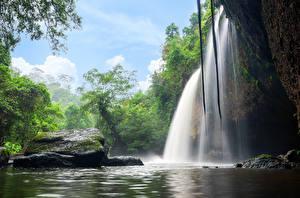 Фотография Таиланд Тропики Парки Водопады Камень Утес Heo Suwat Waterfall Khao Yai National Park Природа