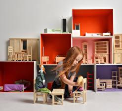 Картинка Игрушки Девочка Рыжая Кукла Играют ребёнок