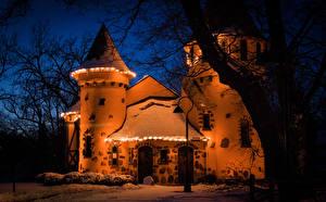 Фотографии США Замки Зимние В ночи Электрическая гирлянда Снега Curwood Castle Michigan Города
