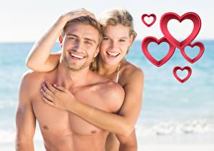 Обои День всех влюблённых Мужчины Любовь Вдвоем Улыбка Объятие Счастье Девушки