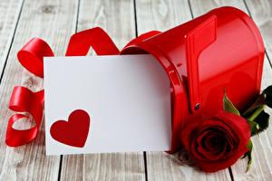 Фотографии День всех влюблённых Розы Доски Шаблон поздравительной открытки Сердечко Ленточка Красный Цветы