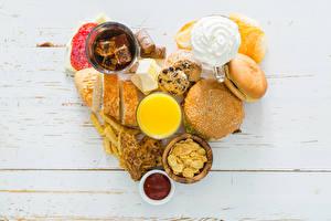 Картинка День всех влюблённых Сэндвич Чай Сок Мюсли Хлеб Печенье Сердце Завтрак