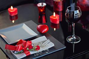 Обои День святого Валентина Вино Свечи Розы Бокалы Бантик Вилка столовая Сердце Еда