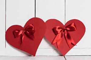 Обои День всех влюблённых Доски Сердце 2 Бантик