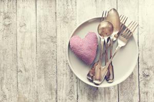 Обои День святого Валентина Доски Тарелка Сердечко Вилка столовая Ложка Еда
