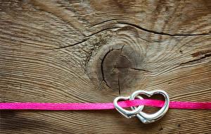 Картинка День святого Валентина Доски Кольцо Двое Сердце Ленточка