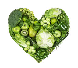 Фотография Овощи Фрукты Яблоки Капуста Перец Груши Белым фоном Сердечко Дизайна Зеленая Пища