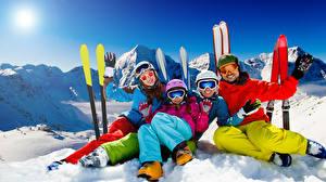 Картинка Зимние Лыжный спорт Снег Очки Шлем Перчатки