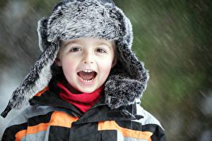 Фотографии Мальчики Шапки Счастье Ребёнок
