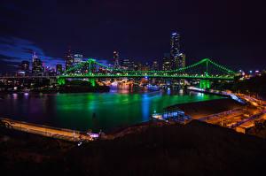 Картинка Брисбен Австралия Здания Речка Мосты Ночные Электрическая гирлянда