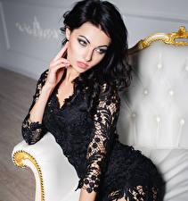Фотография Брюнетка Сидящие Платье