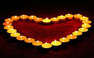 Фотография Свечи День всех влюблённых Сердечко
