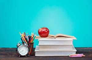 Картинка Часы Яблоки Школьные Будильник Книга Карандаши