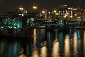 Фотографии Чехия Прага Дома Речка Мосты Ночь Уличные фонари