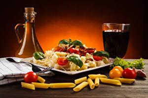 Картинки Напитки Овощи Томаты Бутылка Стакан Макароны