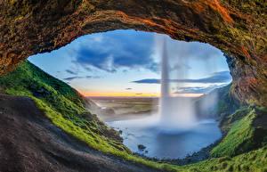 Обои Исландия Водопады Скала Мох Seljalandsfoss waterfall Природа