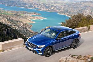 Обои Mercedes-Benz Металлик Едущая Синий 2016 GLC-Klasse Coupe AMG Line автомобиль