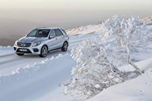 Фото Мерседес бенц Зимние Серебристый Снег 2015 GLE 500
