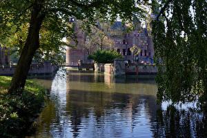 Картинка Нидерланды Замки Водный канал De Haar Castle