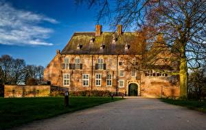 Фото Нидерланды Замки Дороги Деревья Castle Hernen