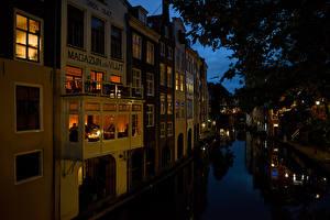 Фотографии Нидерланды Здания Вечер Водный канал