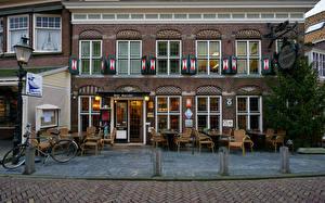 Фотография Нидерланды Здания Кафе Уличные фонари Велосипед Volendam