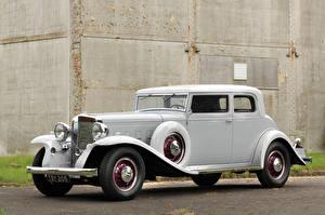 Фотография Винтаж Белый 1933 Marmon Sixteen Victoria Coupe by LeBaron Машины