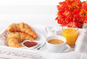 Обои Тюльпаны Кофе Сок Круассан Завтрак Чашка Стакан