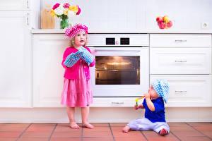 Фотография Двое Мальчики Девочки Повар Кухня Ребёнок