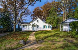 Обои США Дома Осень Особняк Деревья Leland Michigan Города