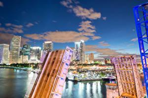 Картинка Штаты Дома Реки Мосты Флорида Майами Ночные