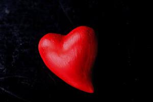 Фотографии День всех влюблённых Черный фон Сердечко Красный
