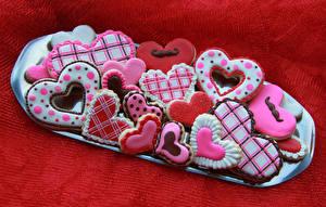 Фотография День святого Валентина Выпечка Печенье Красный фон Дизайн Сердце Продукты питания