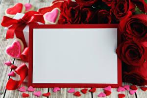 Картинка День святого Валентина Розы Доски Шаблон поздравительной открытки Бордовый Сердце Цветы